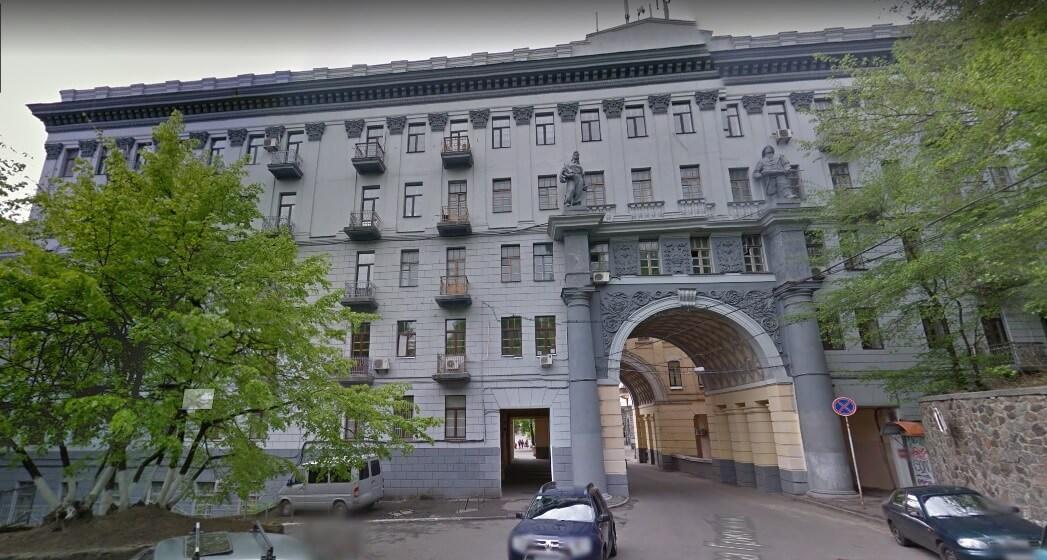 Офісна будівля по вул. Прорізна 8
