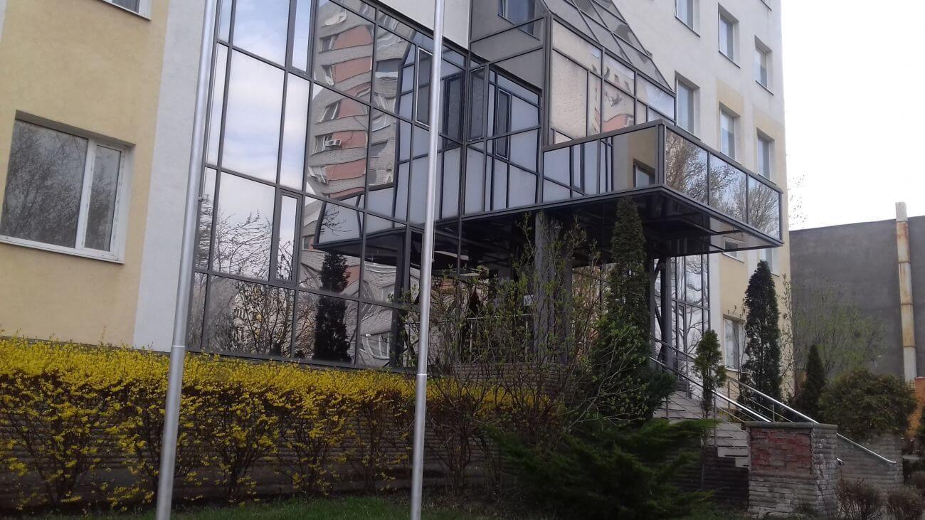 Бізнес-центр по вул. Верховинця 12